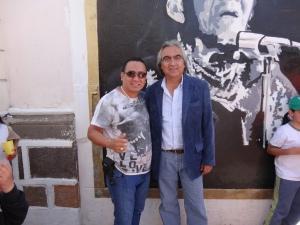 EL SR. GUSTAVO BAROJA (PREFECTO DE PICHINCHA )MANDO MUCHOS SALUDOS A HOSTAL ALEBRIJES